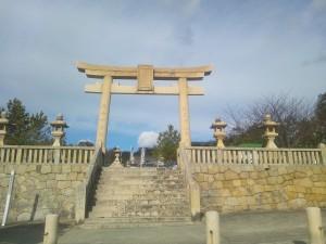 海側からみる神社
